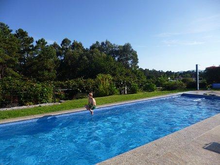 Woda w basenieogrodowym